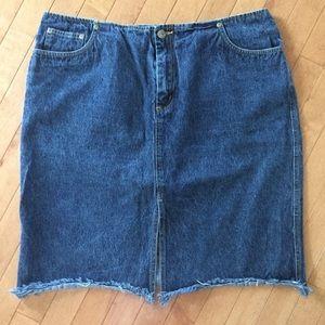 LANE BRYANT Size 18 Jean Skirt with Frayed Hem